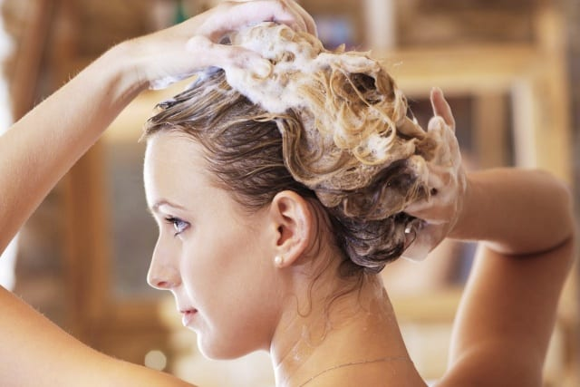 Cara Keramas Rambut yang Benar Supaya Bersih