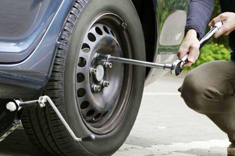 Cara Ganti Ban Mobil Secara Mandiri